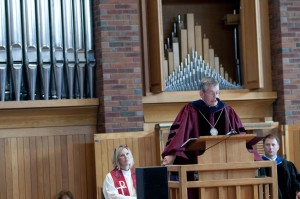 President Paul Pribbenow speaks in Hoversten Chapel