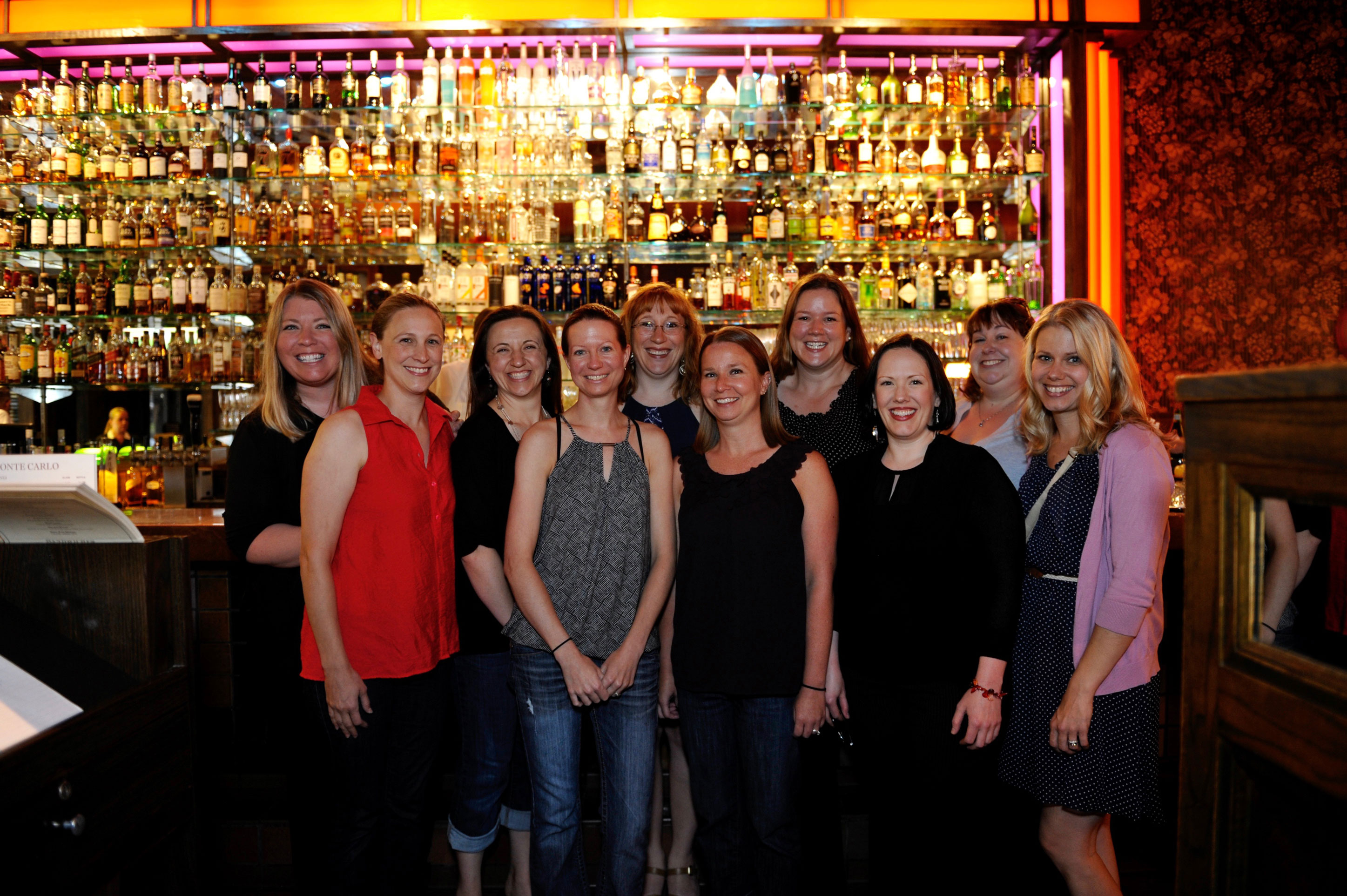 2001 Auggie alumnae gather for dinner at the MonteCarlo Minneapolis.