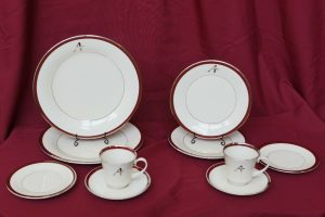 Augsburg A dinnerware set
