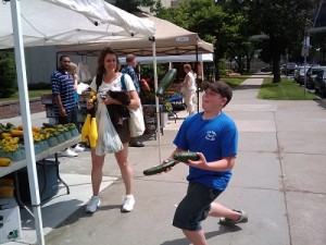 Juggling-at-farmers-market-small