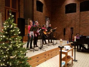 Student singers in Hoversten