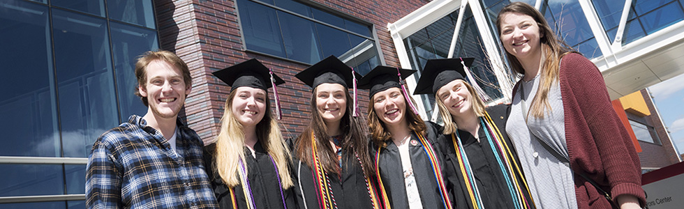 Graduating honors students at commencement