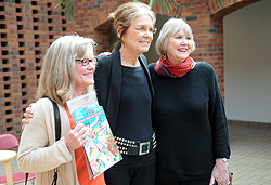Steinem greets Koryne Horbal Lecture guests including Vicki Bunker, on left.
