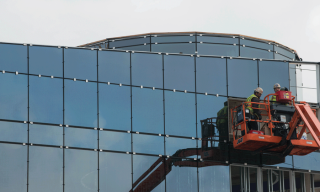 Installation of the glass for the Hagfors Center