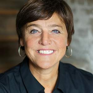 Headshot of FINNEGANS co-founder Jacquie Berglund '87