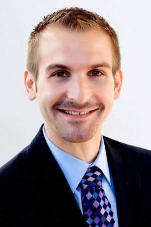 Head shot of Jonathan Weinhagen