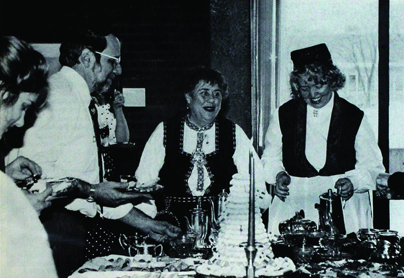 Augsburg Associates oversee food and drinks at Velkommen Jul in 1992.