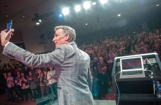 Bill Nye wows audience at Augsburg College