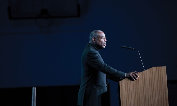 LeVar Burton encourages the next generation